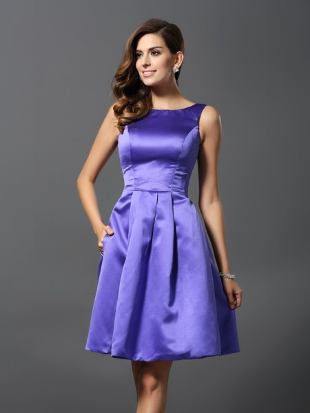 A-Line/Princess Sleeveless Scoop Knee-Length Satin Bridesmaid Dresses