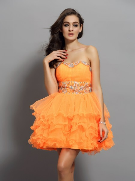 A-Line/Princess Satin Sweetheart Short Cocktail/Homecoming Dresses with Ruffles