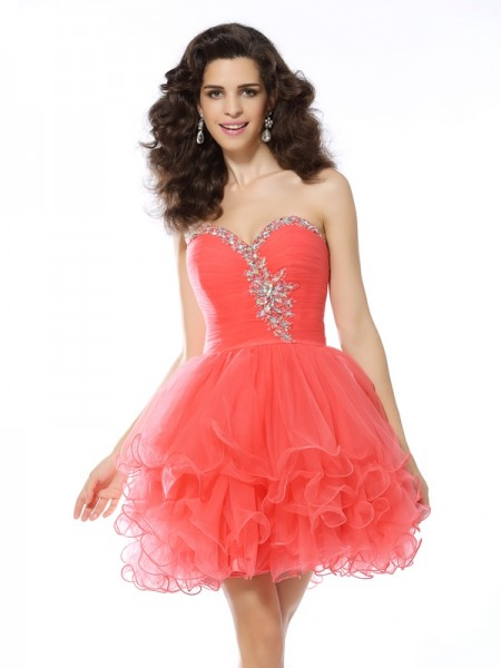A-Line/Princess Sleeveless Sweetheart Satin Short Cocktail/Homecoming Dresses with Ruffles