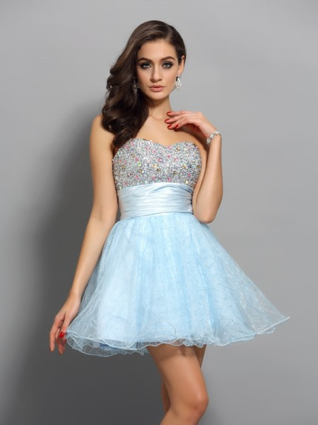 A-Line/Princess Sleeveless Chiffon Sweetheart Short Cocktail/Homecoming Dresses with Beading