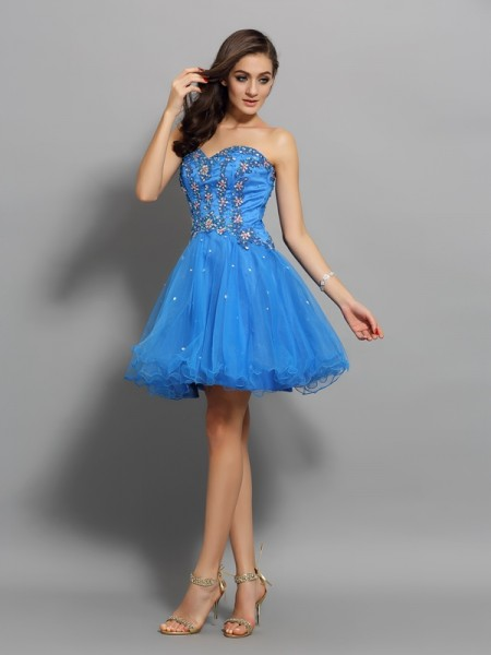 A-Line/Princess Satin Sleeveless Sweetheart Short Cocktail/Homecoming Dresses with Beading