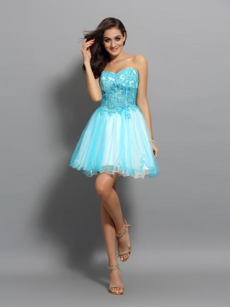 A-Line/Princess Sleeveless Satin Sweetheart Short/Mini Dresses with Applique with Beading