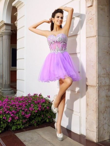 A-Line/Princess Organza Sleeveless Sweetheart Short/Mini Dresses with Applique with Beading