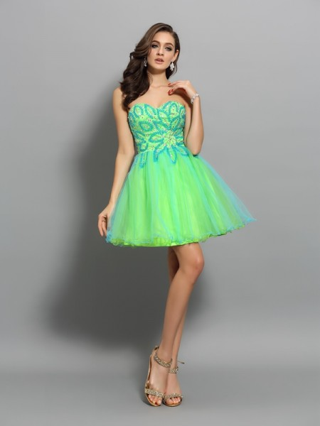 A-Line/Princess Sleeveless Net Sweetheart Short Cocktail/Homecoming Dresses with Beading