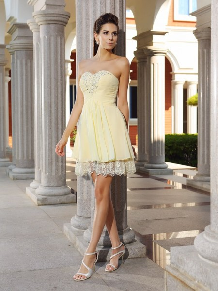 A-Line/Princess Sweetheart Chiffon Sleeveless Short/Mini Dresses with Beading