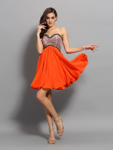 A-Line/Princess Sweetheart Chiffon Sleeveless Short Cocktail/Homecoming Dresses with Ruffles