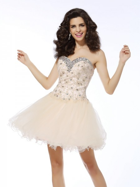 Sleeveless A-Line/Princess Sweetheart Satin Short Cocktail/Homecoming Dresses with Ruffles