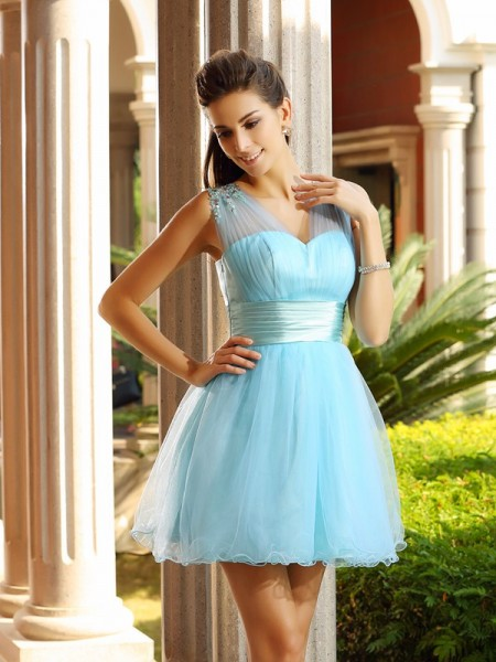 A-Line/Princess Sleeveless V-neck Net Short Cocktail/Homecoming Dresses with Pleats Beading