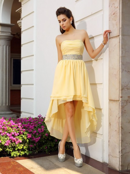 A-Line/Princess Sleeveless Chiffon Strapless Asymmetrical Dresses with Beading