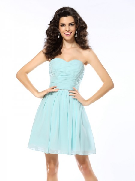 A-Line/Princess Sweetheart Short/Mini Sleeveless Chiffon Dresses with Beading