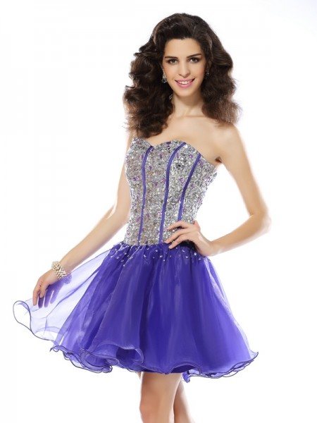 A-Line/Princess Sleeveless Sweetheart Organza Short Cocktail/Homecoming Dresses with Beading
