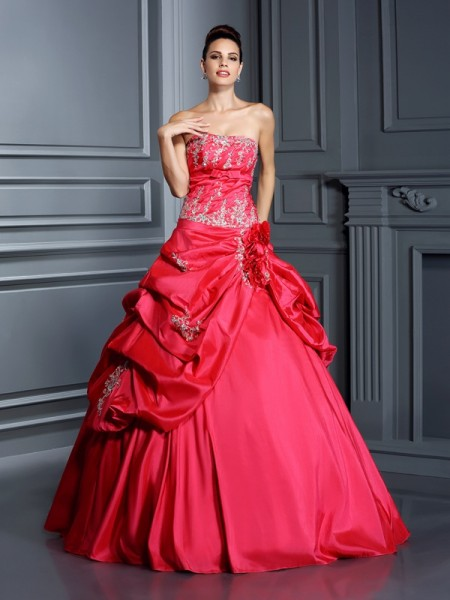 Ball Gown Taffeta Quinceanera Dresses with Applique