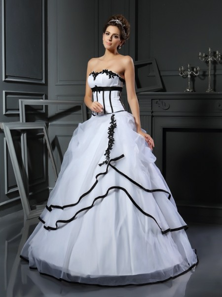 Ball Gown Sleeveless Sweetheart Satin Floor-Length Wedding Dresses with Applique