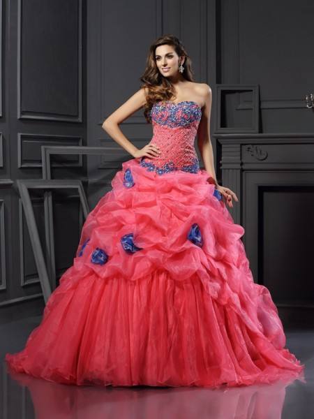 Ball Gown Sweetheart Sleeveless Chapel Train Organza Prom Dresses with Beading