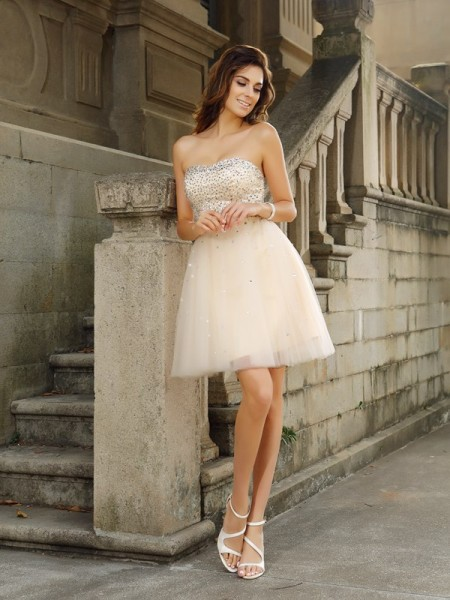 A-Line/Princess Sleeveless Strapless Short/Mini Satin Dresses with Beading