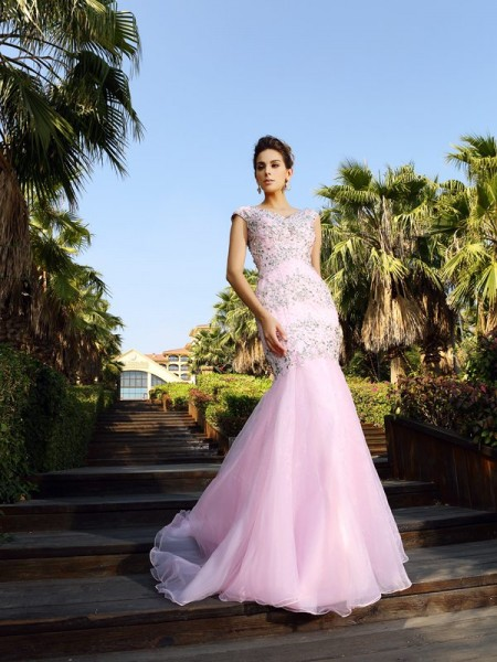 Trumpet/Mermaid V-neck Court Train Sleeveless Satin Dresses with Beading