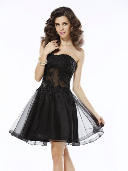 A-Line/Princess Sweetheart Sleeveless Short/Mini Satin Dresses with Applique