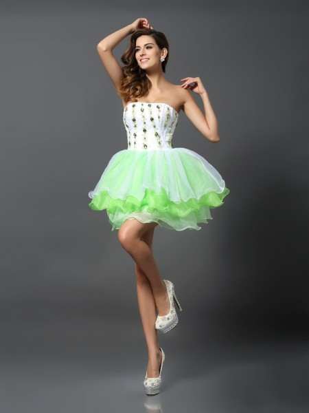 A-Line/Princess Strapless Sleeveless Organza Short Cocktail/Homecoming Dresses with Ruffles