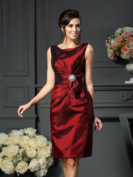 Sheath/Column Scoop Sleeveless Knee-Length Taffeta Mother of the Bride Dresses with Pleats