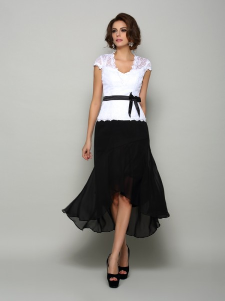 A-Line/Princess Sleeveless Chiffon V-neck Asymmetrical Mother of the Bride Dresses with Sash/Ribbon/Belt