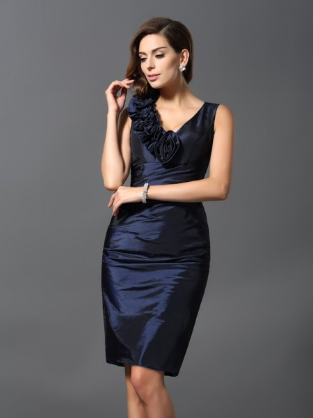 Sheath/Column Sleeveless V-neck Knee-Length Taffeta Dresses with Hand-Made Flower