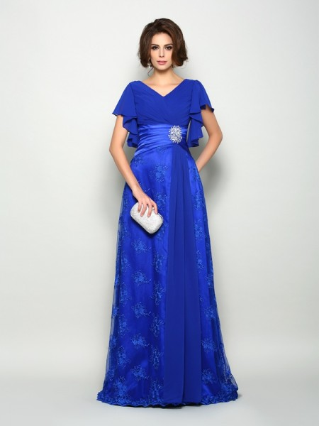 A-Line/Princess V-neck Short Sleeves Chiffon Sweep/Brush Train Mother of the Bride Dresses with Applique
