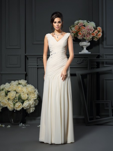 Sheath/Column Sleeveless Chiffon V-neck Long Dresses with Applique with Beading