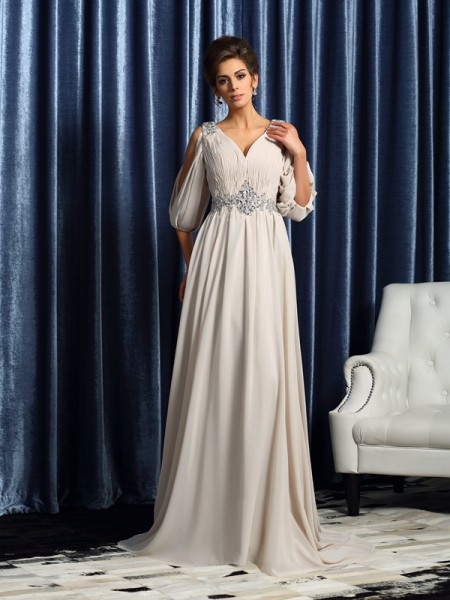 A-Line/Princess 1/2 Sleeves Chiffon V-neck Court Train Mother of the Bride Dresses with Beading