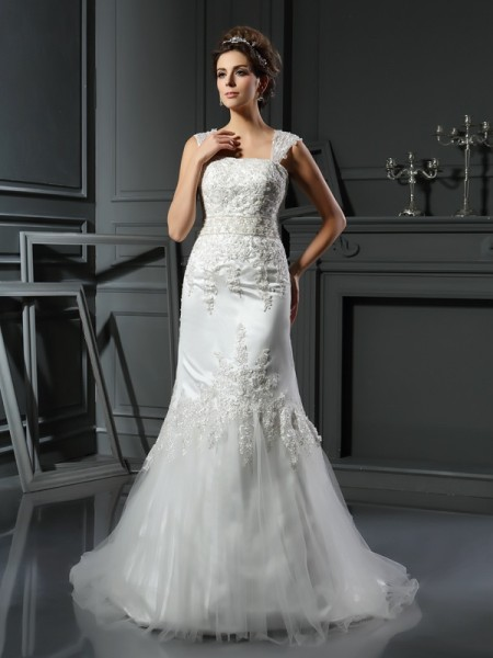 Trumpet/Mermaid Straps Sleeveless Satin Court Train Wedding Dresses with Applique