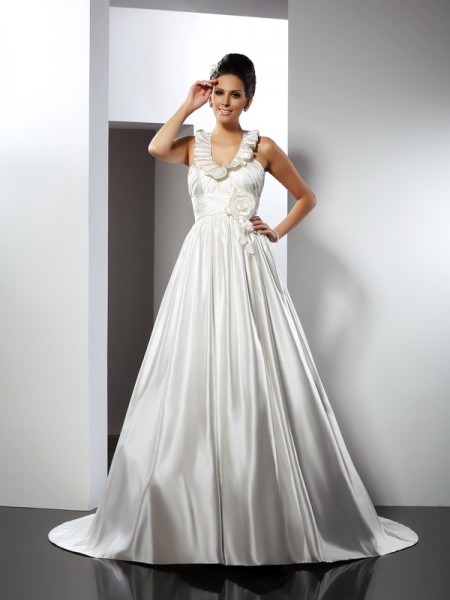 A-Line/Princess Halter Sleeveless Chapel Train Satin Wedding Dresses with Hand-Made Flower