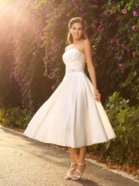 A-Line/princess Sweetheart Satin Sleeveless Tea-Length Wedding Dresses with Beading