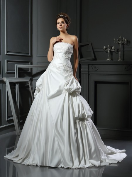Ball Gown Strapless Satin Chapel Train Sleeveless Wedding Dresses with Applique