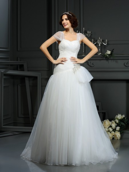 A-Line/Princess Sweetheart Sleeveless Court Train Organza Wedding Dresses with Beading