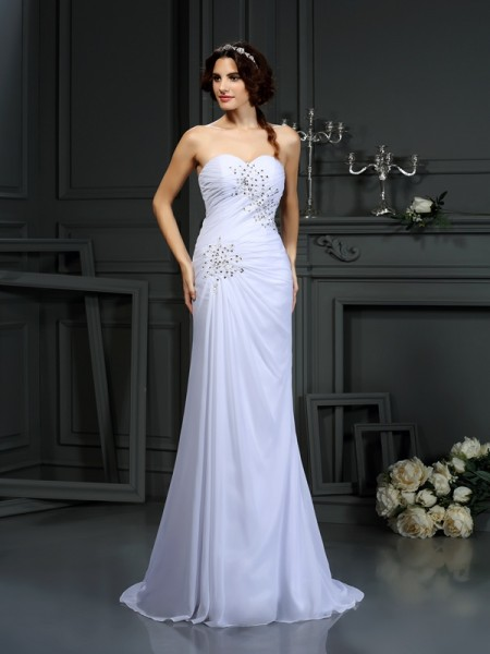 Sheath/Column Sleeveless Sweetheart Chiffon Sweep/Brush Train Wedding Dresses with Beading