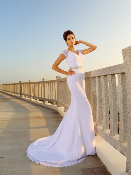 Sheath/Column Sleeveless V-neck Court Train Chiffon Beach Wedding Dresses with Beading