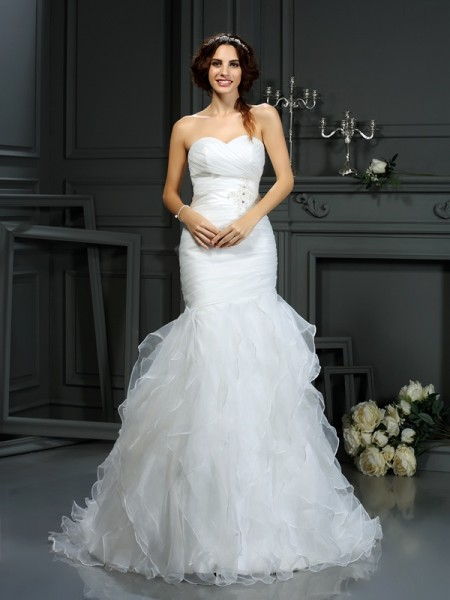 Trumpet/Mermaid Sweetheart Court Train Sleeveless Organza Wedding Dresses with Beading