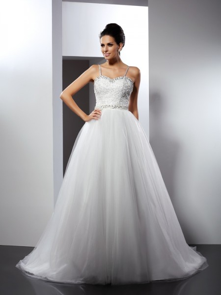 A-Line/Princess Spaghetti Straps Sleeveless Chapel Train Tulle Wedding Dresses with Beading