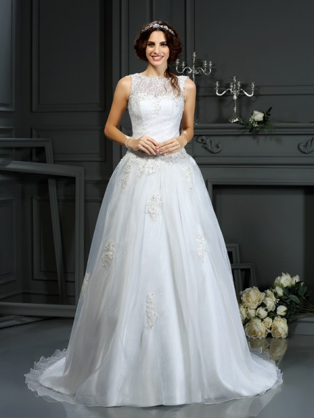 A-Line/Princess Scoop Sleeveless Net Court Train Wedding Dresses with Applique