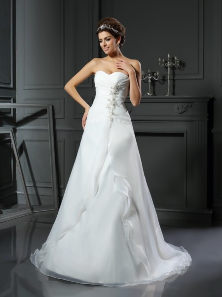 A-Line/Princess Sweetheart Sleeveless Chapel Train Satin Wedding Dresses with Ruched