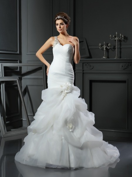 Trumpet/Mermaid Sleeveless Satin Chapel Train Wedding Dresses with Ruffles