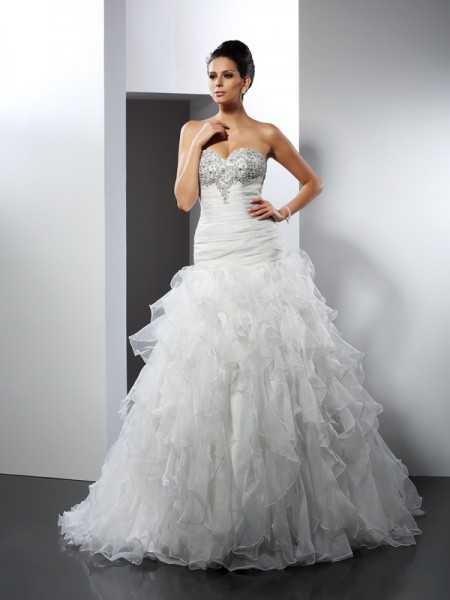 Ball Gown Sweetheart Sleeveless Court Train Tulle Wedding Dresses with Ruffles