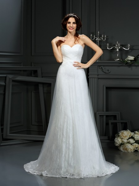 A-Line/Princess Sweetheart Sleeveless Net Court Train Wedding Dresses with Pleats
