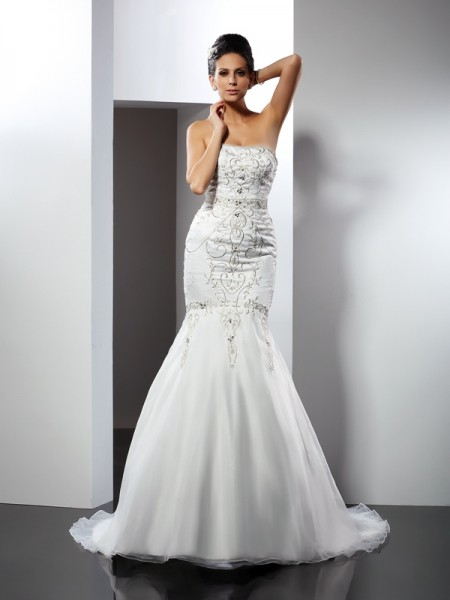 Trumpet/Mermaid Strapless Sleeveless Chapel Train Satin Wedding Dresses with Applique