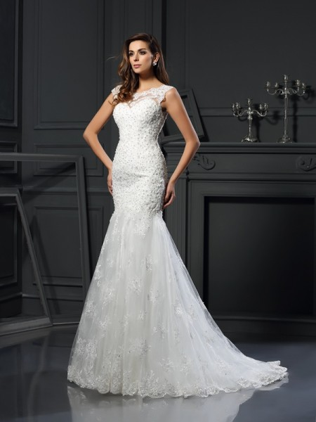 Trumpet/Mermaid Scoop Short Sleeves Tulle Chapel Train Wedding Dresses with Applique