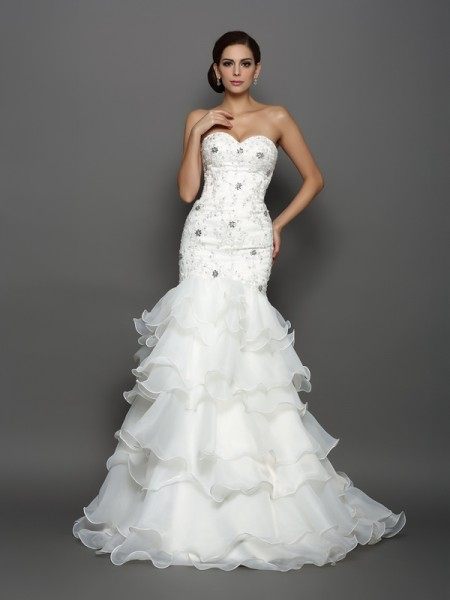 Trumpet/Mermaid Sweetheart Organza Sleeveless Chapel Train Wedding Dresses with Applique