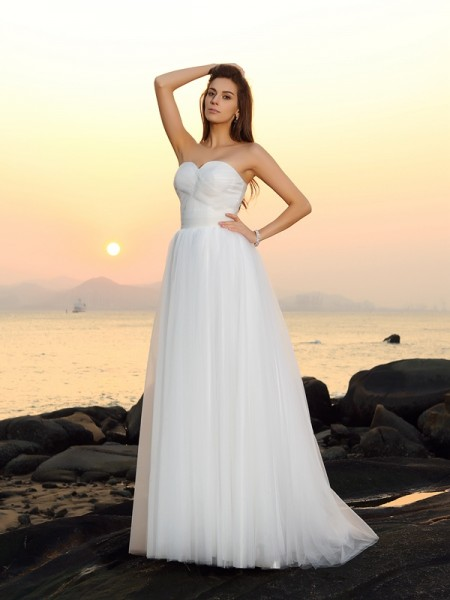 A-Line/Princess Sleeveless Sweep/Brush Train Sweetheart Net Beach Wedding Dresses