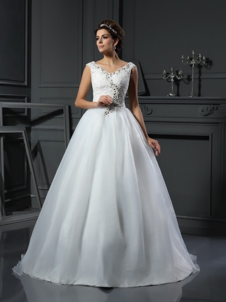 A-Line/Princess V-neck Sleeveless Organza Chapel Train Wedding Dresses with Beading