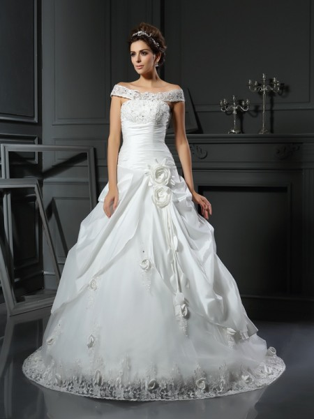 Ball Gown Sleeveless Off-the-Shoulder Satin Chapel Train Wedding Dresses with Hand-Made Flower