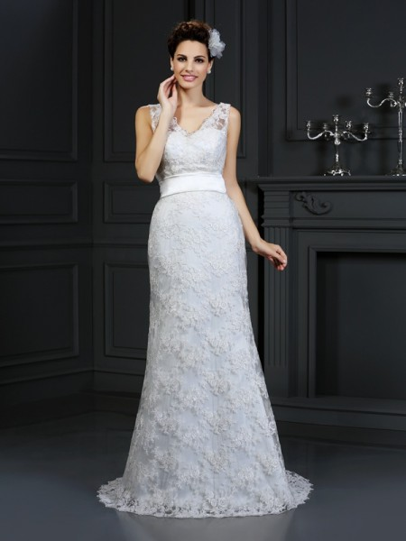 Trumpet/Mermaid Sweetheart Sleeveless Chapel Train Lace Wedding Dresses with Applique