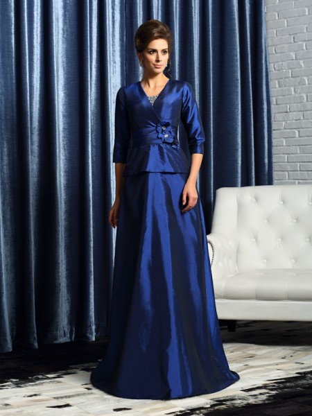 A-Line/Princess V-neck 1/2 Sleeves Taffeta Floor-Length Mother of the Bride Dresses with Beading